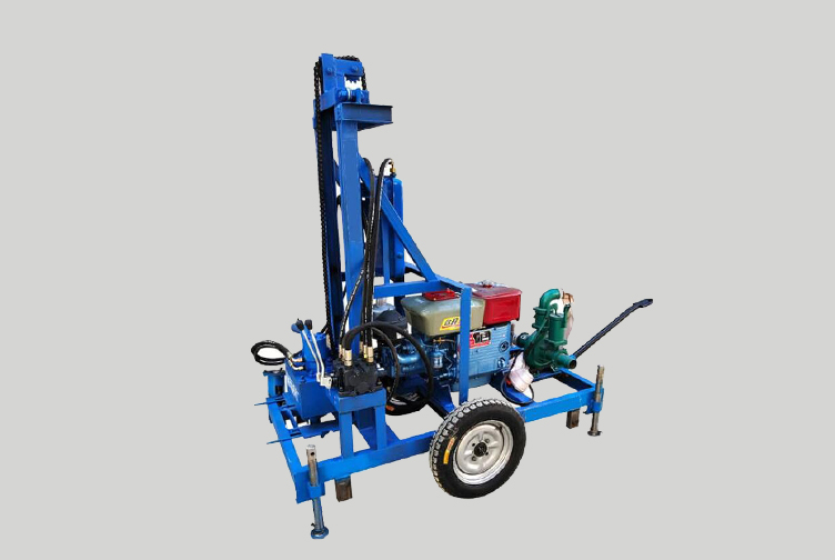 Portable diesel engine hydraulic water drilling rig